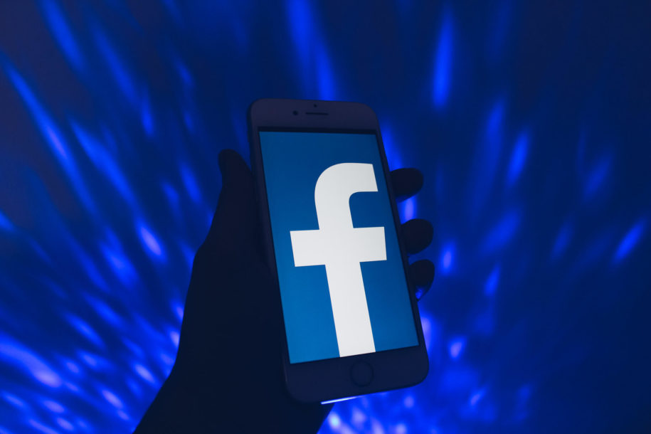 4 Ways to Make My Facebook Photos Private